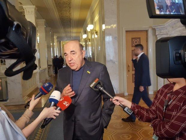 Рабинович: Для украинских политиков нужно создать новый праздник – День наперсточника