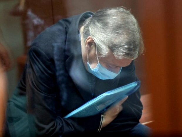 Михайло Єфремов вже з колонії знову поміняв свідчення - тепер винен інший чоловік