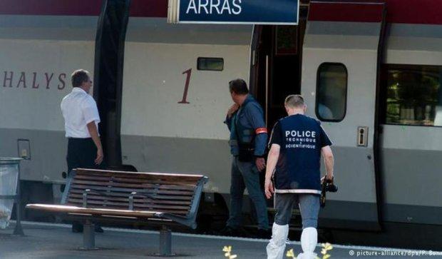 Олланд поблагодарил американцев, которые обезоружили нападавшего в поезде