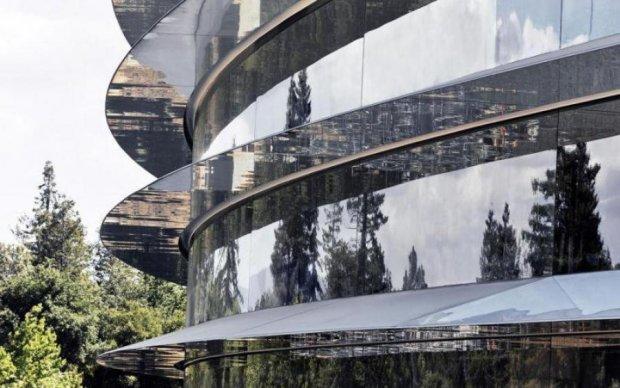 Будинок-вбивця: головний офіс Apple почав калічити співробітників