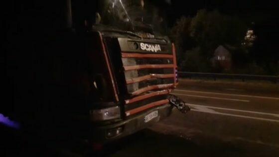 На Львівщині вантажівка та легковик не поділили дорогу - водій у морзі, жінка з дітьми у лікарні