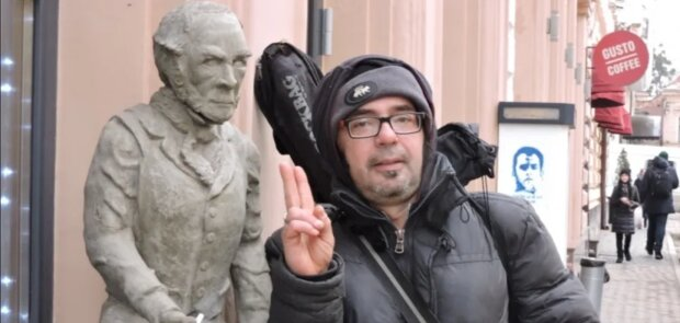"""В Черновцах обнаружили тело легендарного рокера: """"Шел по улице и..."""""""