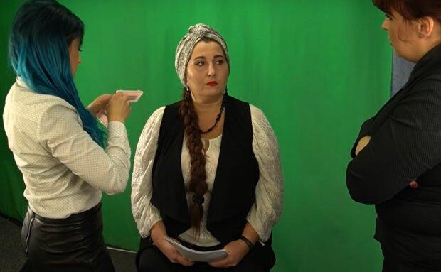 """Баба Доцька из Прикарпатья раскрыла украинцам глаза на слуг Зеленского: """"Обещать - не мешки носить"""""""