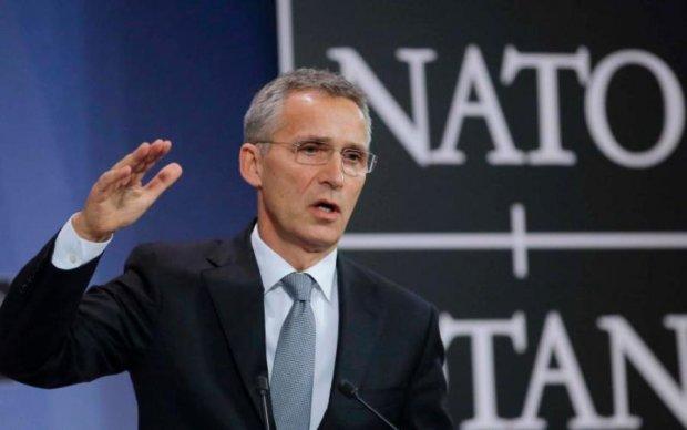 Руки геть! НАТО вимагає від Росії вивести війська