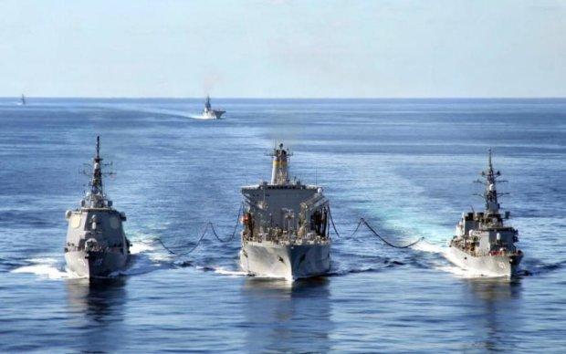 Вторжение с моря: азовское побережье трясет от танков и тяжелого вооружения