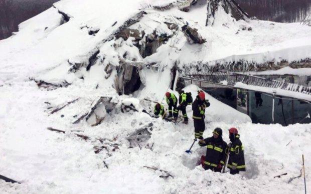 Количество жертв лавины в Японии возросло