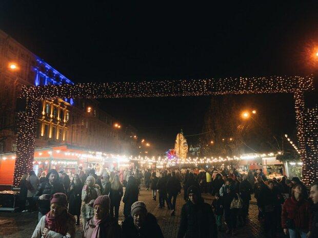 Запасись новогодним настроением: в Киеве ярмарка подготовила целое изобилие сувениров и вкусняшек