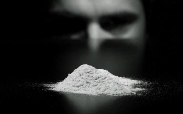 С наркозависимостью будут бороться героином