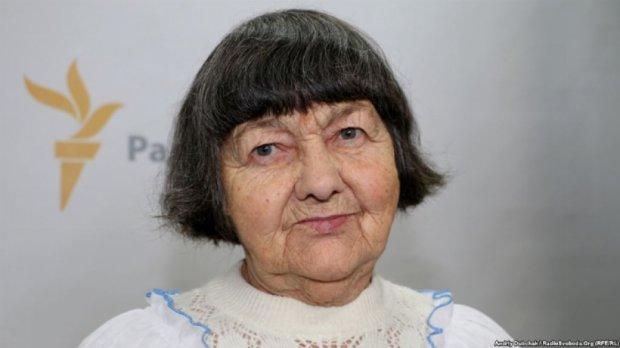 Мені погано, душа болить за дитину - мама Надії Савченко