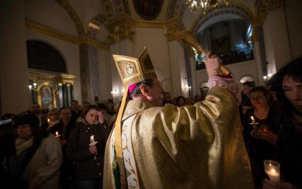 """Свято Ікони Божої Матері """"Живоносне джерело"""" 13 квітня: традиції та історія"""
