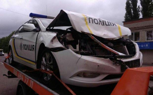 Пьяный водитель проломил череп копу: фото