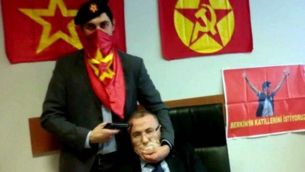 В Турции заблокировали Twitter и YouTube из-за террористов