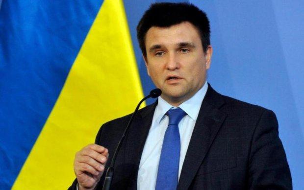 Освобождение политзаключенных и миротворцы: Климкин раскрыл детали переговоров с Лавровым