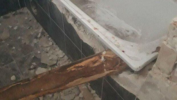 В Ужгороде из отеля пытались стащить ванную - полотенца уже не нужны