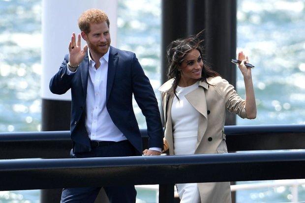 Меган Маркл испортила изысканный образ дешевыми чулками: королевский секонд-хенд