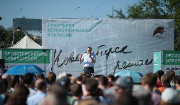 Геи и фашисты это воображаемые проблемы России – Навальный