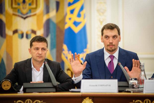 Головне за ніч: Гончарук проти Зеленського, підвищення пенсійного віку, 5G в селах та літаках, компромат на Трампа