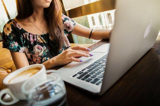 Ноутбук, фото: Pixabay