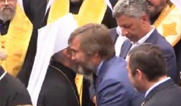 Бойко і Новинський на хресній ході обнімалися з Онуфрієм (фото, відео)