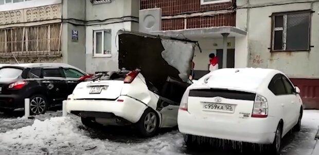 Постраждала машина, скріншот: Youtube
