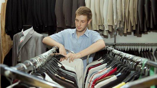 Харьковчанам впаривают футболки с Крымнашем: популярный магазин влип в громкий скандал, люди подозревают неладное