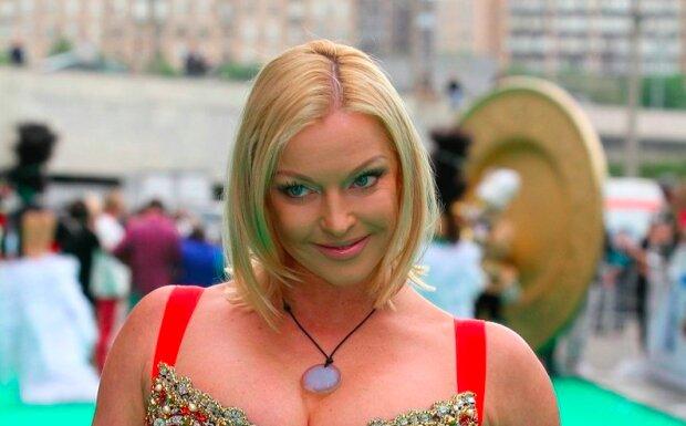 """Чересчур исхудавшая Волочкова шокировала новой внешностью: """"Подарите это ближайшей мусорке"""""""