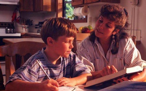 Чому не можна робити домашнє завдання з дитиною