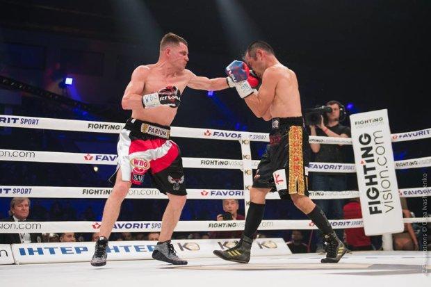 Денис Берінчик переміг Ніхіто Аракаву і захистив титул