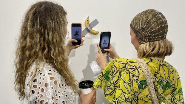 """После 15 лет неудач хитрый художник продал банан за $120 тысяч: """"Однажды я проснулся, и сказал..."""", фото"""