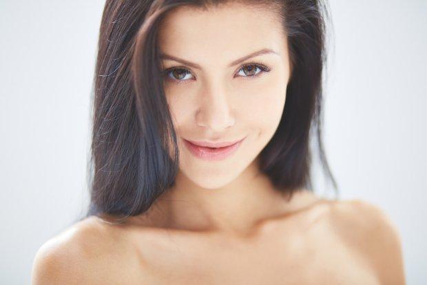 Косметологи развенчали 5 популярных мифов об уходе, которые способны изуродовать любую девушку