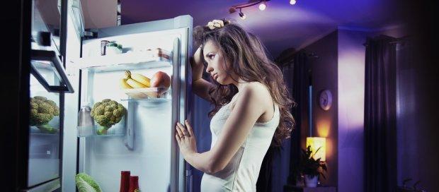 Вкусно, но вредно: 5 продуктов, которые не стоит есть перед сном