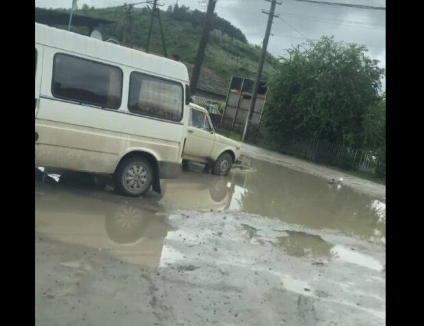 Під Тернополем дороги змило дощем після ремонту - гроші осіли в кишенях слуг народу