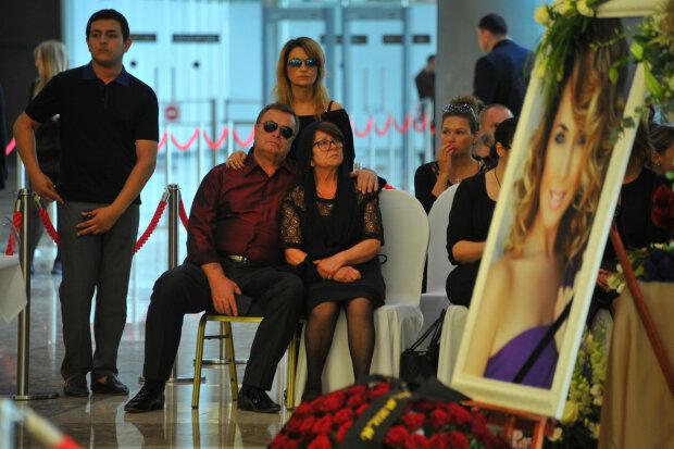 В семье Жанны Фриске случилось горе: при смерти самый близкий, без операции никак