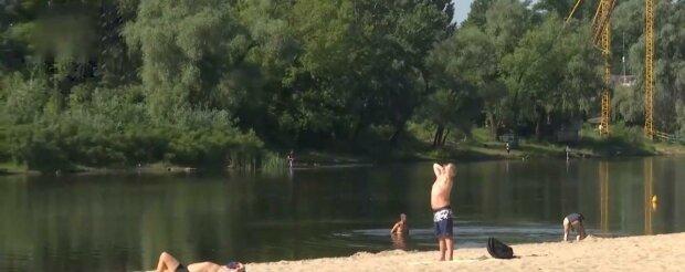 Киевляне вырвались из карантина на пляжи - как зажигали горячие украинцы в первые дни июня