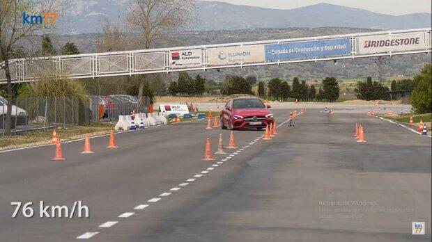 Mercedes-Benz CLA, скриншот