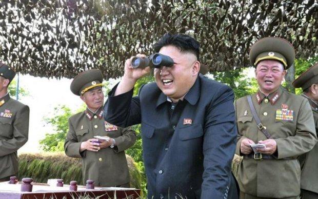 """Безумный Ким снова """"поигрался"""" баллистическими ракетами"""