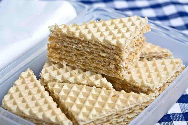 Українська кухня: простий рецепт вафельного торту