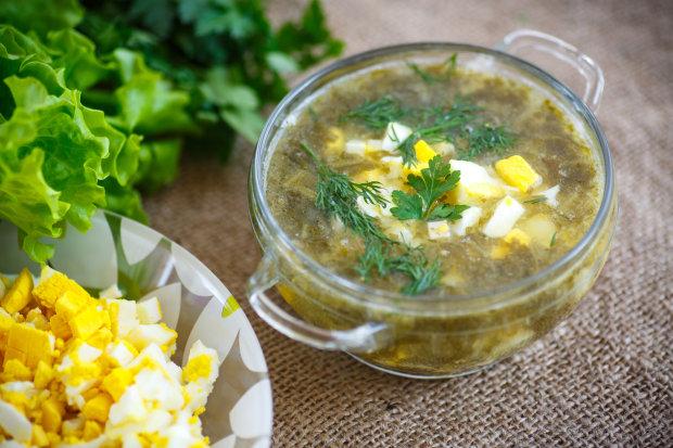 Українська кухня: зелений борщ зі щавлем з секретним інгредієнтом