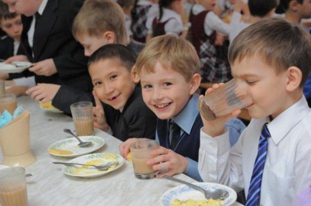 Кличко нашел 100 миллионов на школьные завтраки