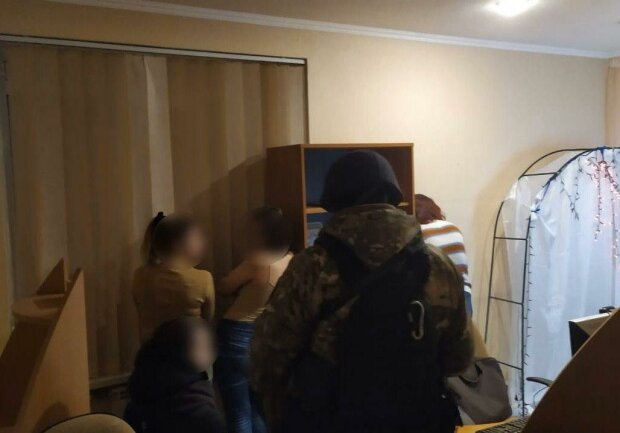 затримання злочинців, скріншот з відео