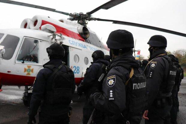 """Выборы в Украине 2020: вертолеты следили за гражданами с воздуха - """"Меняют дислокацию"""""""