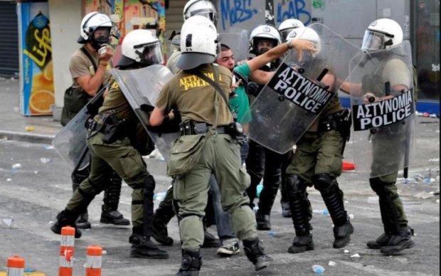 Грецію накрила хвиля протестів: що відбувається
