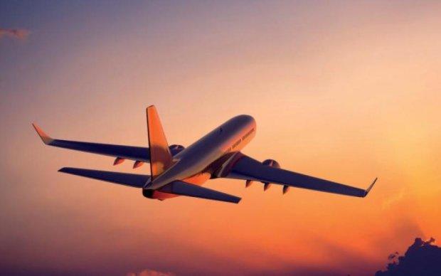 Самолет с десятками россиян загорелся: опубликованы жуткие кадры
