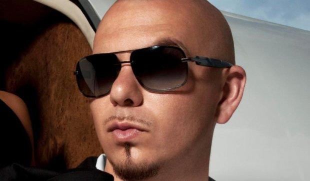 В сеть попал новый клип рэпера Pitbull (видео)