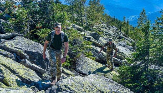 """Молодые офицеры покорили Карпаты, вот кто защитит Донбасс от Путина: """"Настоящие казаки"""""""