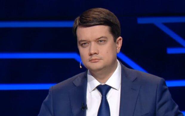 Спикер Рады Разумков заявил о невозможности мира на Донбассе