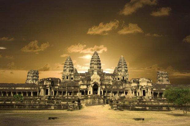 Ангкор-Ват: як слони допомогли побудувати найбільший храм у світі