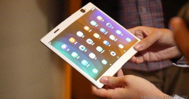 Google подарит гибким смартфонам новый Android