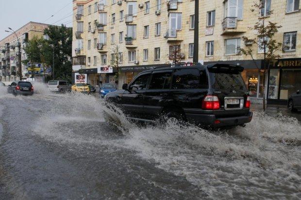 Киев поплыл: в сети показали, во что превратилась столица за считанные часы