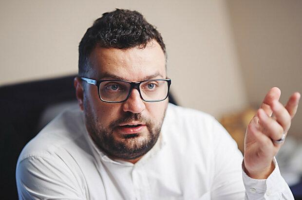 """Глава Держкіно Іллєнко у стилі Зеленського заявив про звільнення: """"Не хочу триллер з елементами екшену"""""""